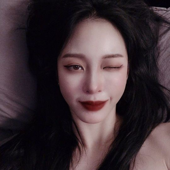Han Ye Seul, vẻ đẹp hoàn hảo hàng ngày của vẻ đẹp hoàn hảo ... trang điểm ma cà rồng
