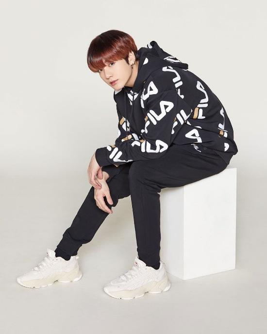 Bức ảnh của BTS Jungkook Fila đã hé lộ