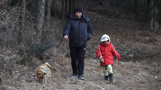 [Teatro humano] ¡La primera historia con los ojos vendados de papá principiante! ... ¡El amor de la familia es más precioso que el dinero!