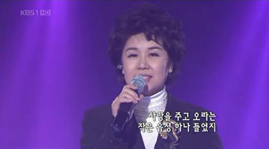 ¡Shim Su-bong, de seis años, es la cantante y compositora de primera generación que quedó atrapada en el caso 10.26 del presidente Park Jeong-hee!