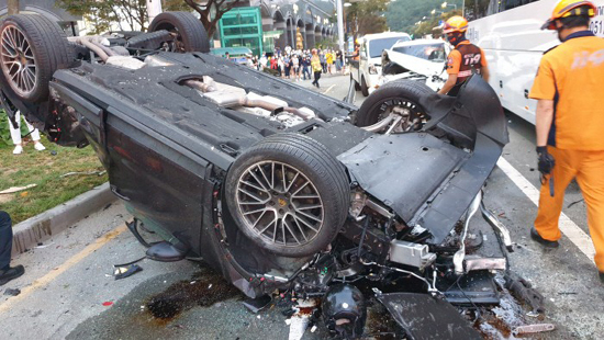 Haeundae 7th pivot accident Porsche driver Drunk driving is NO!