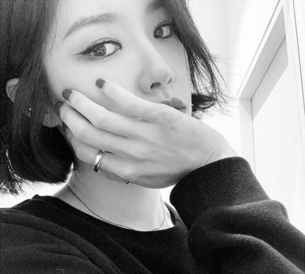 Kim Sae-Rom, el ambiente elegante con fotos en blanco y negro